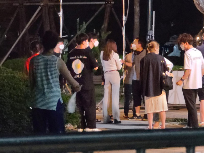 Lộ tạo hình của Park Min Young trong phim đóng với Song Kang của Nevertheless: Giống hệt như Thư ký Kim? - Ảnh 4.
