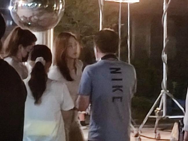 Lộ tạo hình của Park Min Young trong phim đóng với Song Kang của Nevertheless: Giống hệt như Thư ký Kim? - Ảnh 2.