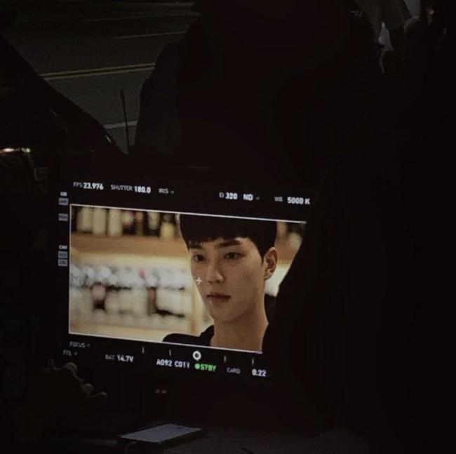 """Park Min Young gây hoang mang vì tạo hình trong phim mới """"già chát"""", Song Kang của Nevertheless đóng vai người yêu lại quá """"non"""" - Ảnh 3."""