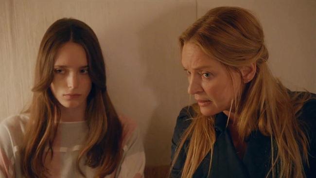 """Phim 18+ Nymphomaniac: Đừng chỉ để ý đến cảnh cháy giường cháy chiếu của người đàn bà cuồng dâm, xem ngay màn đánh ghen """"Hoạn Thư kiểu Tây"""" không ở đâu có này đi! - Ảnh 4."""