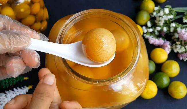 Mách chị em cách làm chanh muối vàng ươm, vỏ dẻo thơm ngon không bị đắng, không đóng váng - Ảnh 13.