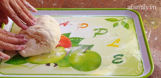 Bánh mì 3 không: Không lò nướng, không máy trộn bột, không cân vẫn mềm ngon thơm nức! - Ảnh 10.
