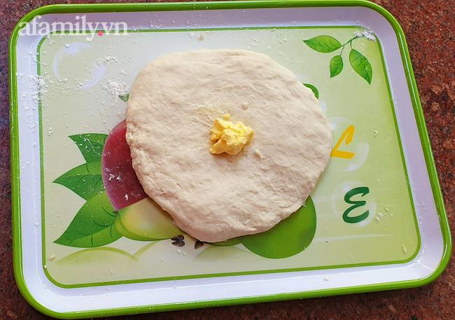 Bánh mì 3 không: Không lò nướng, không máy trộn bột, không cân vẫn mềm ngon thơm nức! - Ảnh 11.