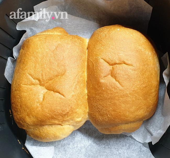 Bánh mì 3 không: Không lò nướng, không máy trộn bột, không cân vẫn mềm ngon thơm nức! - Ảnh 19.