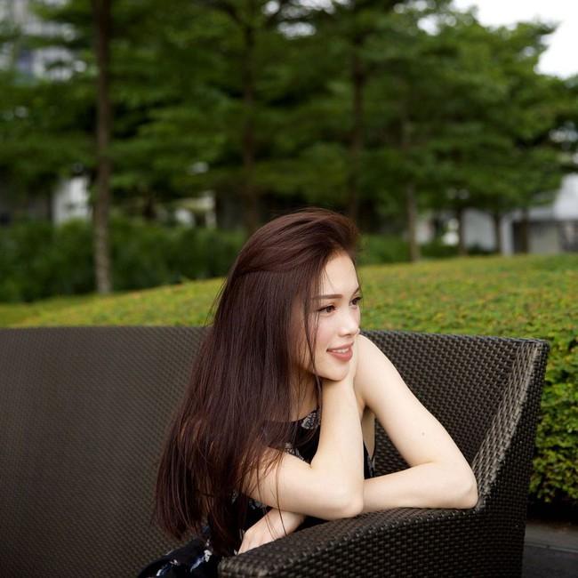 Linh Rin, Linh Rin hẹn hò với Phillip Nguyễn, chăm sóc da, dưỡng trắng da, Dưỡng trắng sau khi đi nắng, chống nắng, Linh Rin dưỡng trắng da,  dướng trắng bằng sữa chua, đắp mặt nạ sữa chua