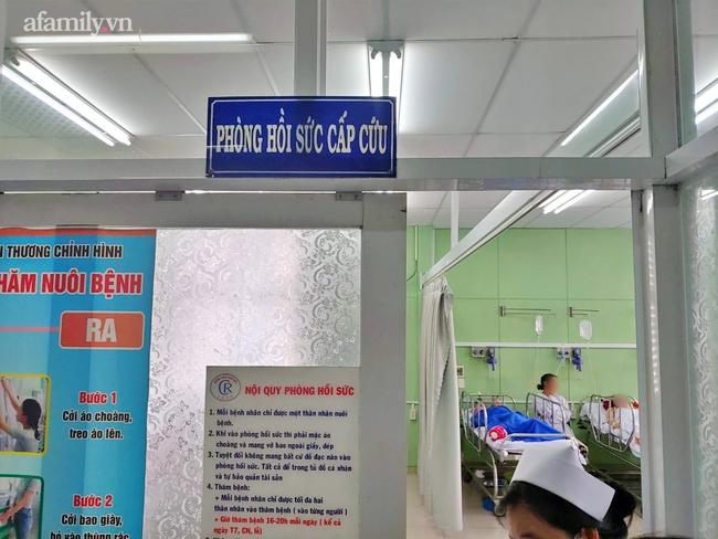 Ca sĩ Phi Nhung nhiễm COVID-19 nặng, chuyển vào Bệnh viện Chợ Rẫy trong đêm - Ảnh 1.