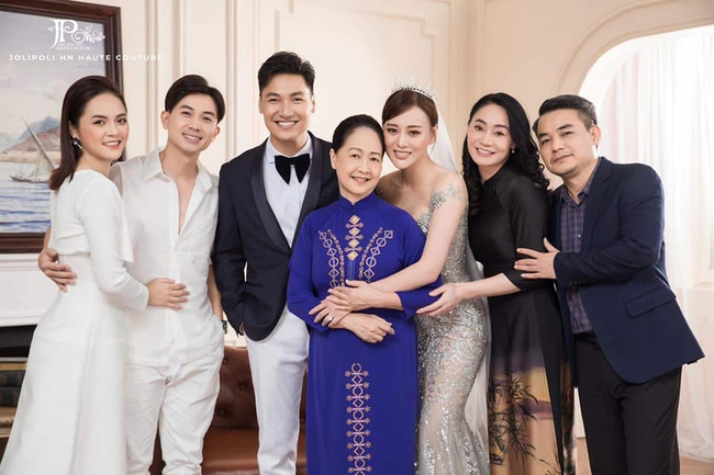 Hương vị tình thân: Lộ trọn bộ ảnh cưới vương giả của Long - Nam, bà Xuân vui vẻ ôm con dâu - Ảnh 3.