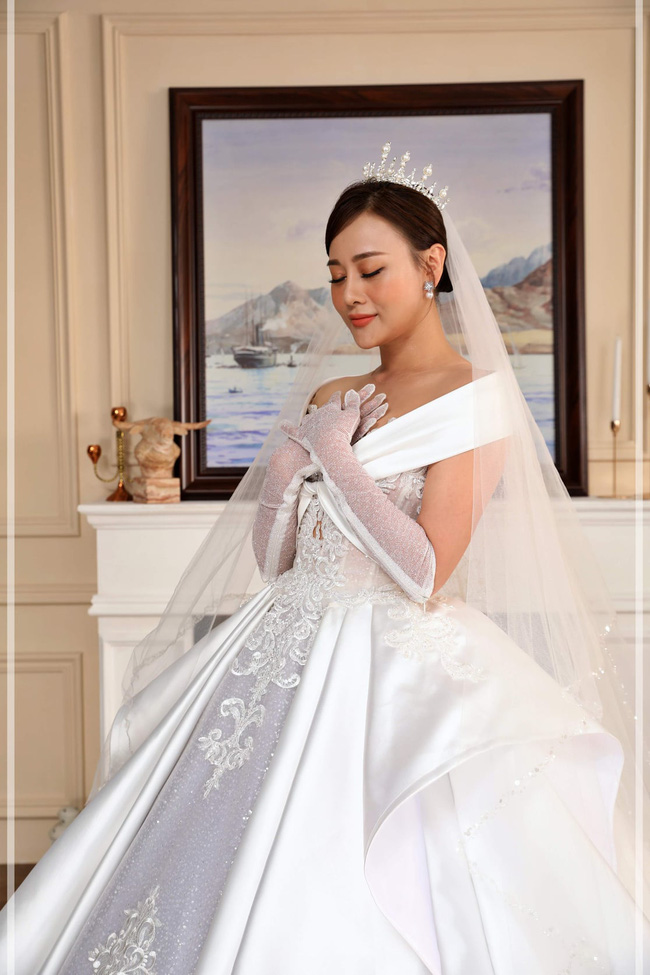Hương vị tình thân: Lộ trọn bộ ảnh cưới vương giả của Long - Nam, bà Xuân vui vẻ ôm con dâu - Ảnh 6.