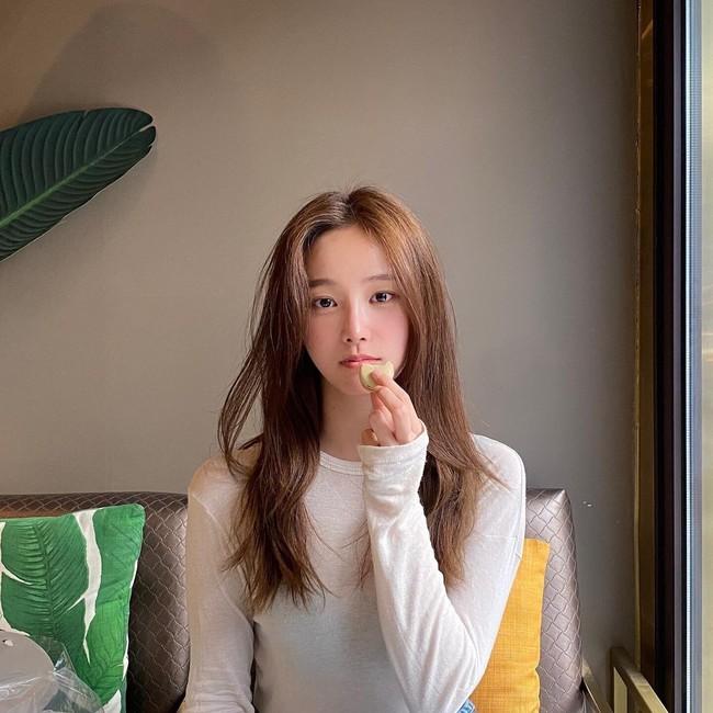 """Nhan sắc """"bạn gái mới"""" của Lee Min Ho, liệu có bằng Suzy hay Park Min Young? - Ảnh 8."""