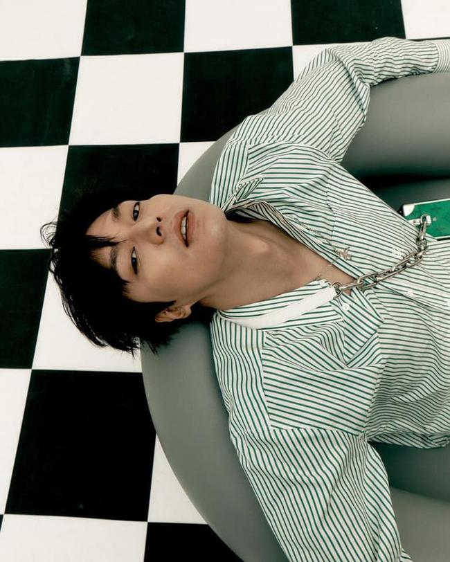Khoe nhẹ tấm hình hậu trường chưa chỉnh sửa, Lee Min Ho lại khiến fan phải trầm trồ vì ngoại hình ở tuổi 34 - Ảnh 1.