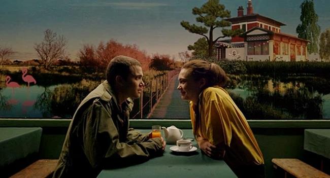 """Phim 18+ Love: Triết lý tình yêu tìm thấy trong những cảnh quay giường chiếu trần trụi đến """"đỏ mặt"""" - Ảnh 4."""
