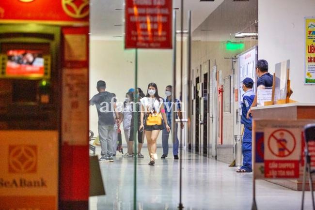 Hà Nội: Bé gái 12 tuổi rơi từ tầng 12 chung cư HH Linh Đàm tử vong - Ảnh 4.
