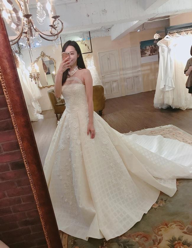 """Trước ngày rước dâu, chú rể nhận tin nhắn: """"Biết bí mật của nó không mà cưới"""" và màn giải quyết như vả mặt khiến cô dâu rơi nước mắt! - Ảnh 2."""