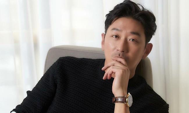"""Dàn nam thần Hàn Quốc quyết """"ế bền vững"""": Đáng chú ý nhất là nam thần bị gọi tên trong bê bối bố ruột U80 ép bạn gái 37 tuổi phá thai - Ảnh 11."""