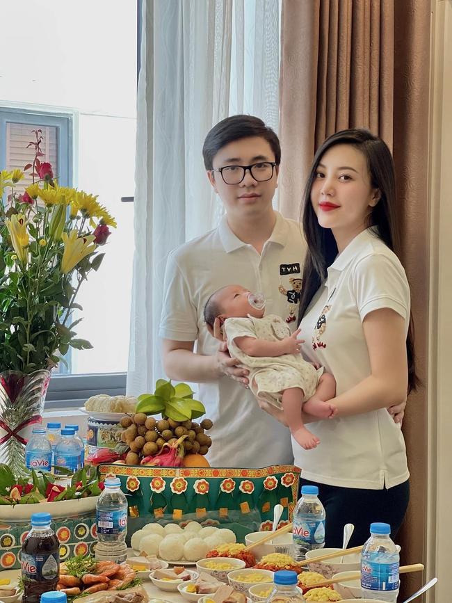 """""""Bạn gái"""" Sơn Tùng M-TP thực hiện da kề da dù con đã gần 2 tháng tuổi, hóa ra lý do là đây! - Ảnh 2."""