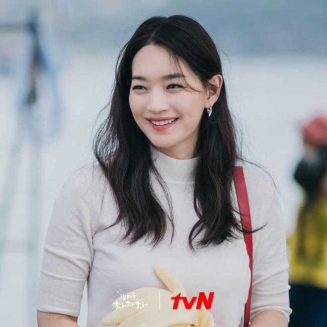 """Shin Min Ah được mệnh danh """"mỹ nhân không tuổi"""" nhờ cách rửa mặt đặc biệt này  - Ảnh 2."""