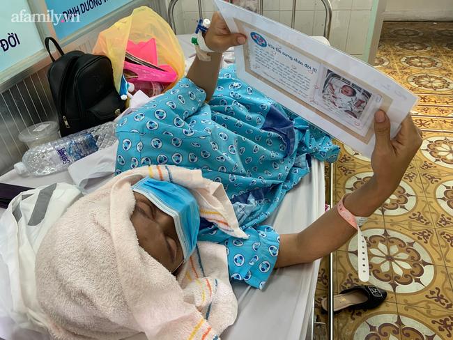 Mẹ nhiễm COVID-19 trở nặng phải chuyển viện, bác sĩ gói hình con mới sinh theo hành trang sản phụ, cầu mong phép màu - Ảnh 1.