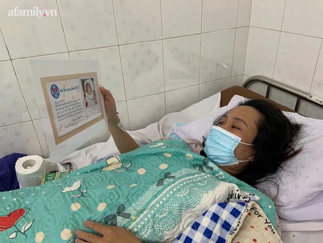 Mẹ nhiễm COVID-19 trở nặng phải chuyển viện, bác sĩ gói hình con mới sinh theo hành trang sản phụ, cầu mong phép màu - Ảnh 4.