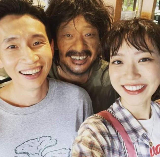 Cuộc chiến thượng lưu: Fan tranh cãi chi tiết Su Ryeon - Logan Lee ở hiền lại chết, Ju Dan Tae ở ác nhưng vẫn sống? - Ảnh 5.