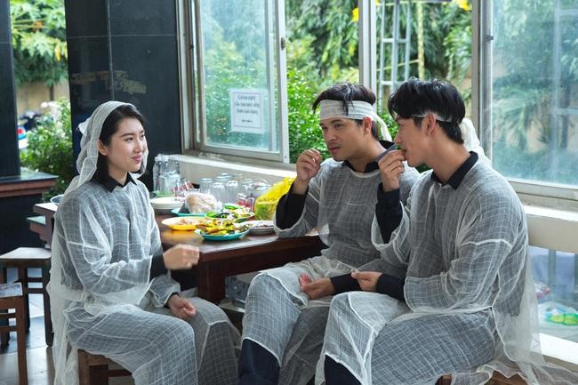 Cây táo nở hoa tập cuối: Châu, Báu bầu vượt mặt, lộ loạt ảnh hậu trường cực độc khiến fan thổn thức nhớ phim - Ảnh 8.