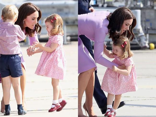 5 lần Công nương Kate mất bình tĩnh trước công chúng: Cau có với chồng và dạy dỗ con trai George - Ảnh 2.