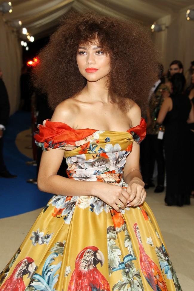 Vogue chọn ra 25 mỹ nhân đẹp nhất mọi thời đại tại thảm đỏ Met Gala  - Ảnh 21.