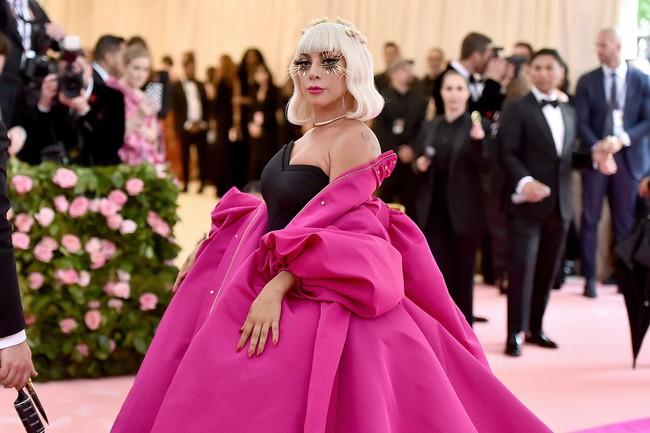 Vogue chọn ra 25 mỹ nhân đẹp nhất mọi thời đại tại thảm đỏ Met Gala  - Ảnh 24.