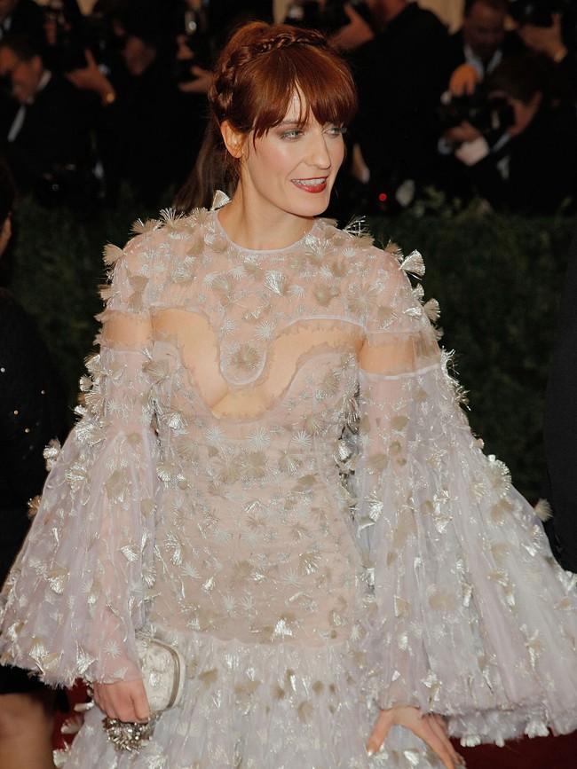 Vogue chọn ra 25 mỹ nhân đẹp nhất mọi thời đại tại thảm đỏ Met Gala  - Ảnh 13.