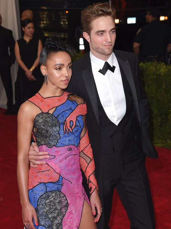 Vogue chọn ra 25 mỹ nhân đẹp nhất mọi thời đại tại thảm đỏ Met Gala  - Ảnh 18.