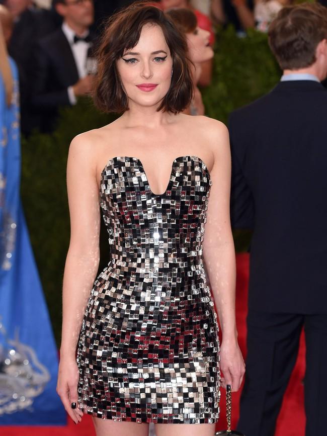 Vogue chọn ra 25 mỹ nhân đẹp nhất mọi thời đại tại thảm đỏ Met Gala  - Ảnh 19.