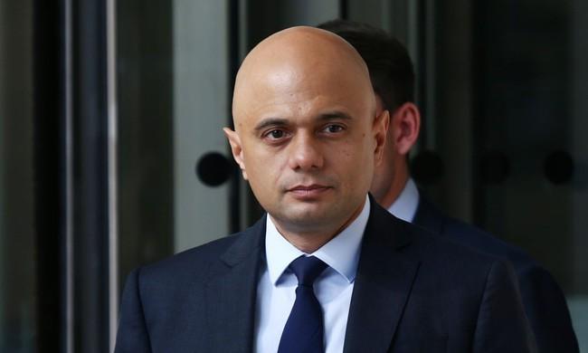 """Chính phủ Anh ngừng kế hoạch triển khai hộ chiếu vaccine Covid-19, dân tự do đi lại mà không cần """"thẻ xanh""""? - Ảnh 2."""