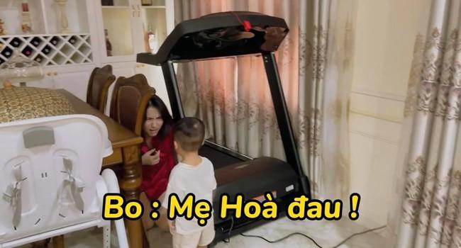 """Rụng tim với loạt câu nói """"như ông cụ non"""" của con trai Hòa Minzy, fan trêu Bo thúi nghiện mẹ đến thế là cùng! - Ảnh 5."""