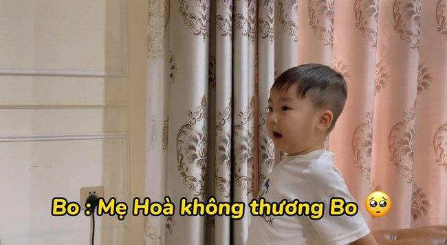 """Rụng tim với loạt câu nói """"như ông cụ non"""" của con trai Hòa Minzy, fan trêu Bo thúi nghiện mẹ đến thế là cùng! - Ảnh 12."""