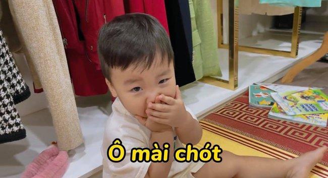"""Rụng tim với loạt câu nói """"như ông cụ non"""" của con trai Hòa Minzy, fan trêu Bo thúi nghiện mẹ đến thế là cùng! - Ảnh 3."""