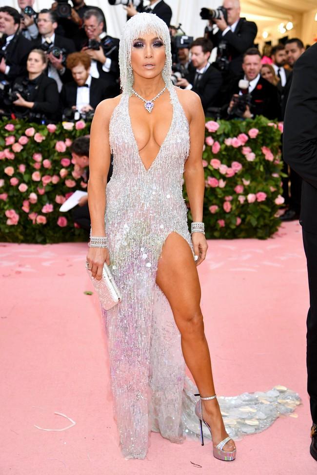 Vogue chọn ra 25 mỹ nhân đẹp nhất mọi thời đại tại thảm đỏ Met Gala  - Ảnh 25.