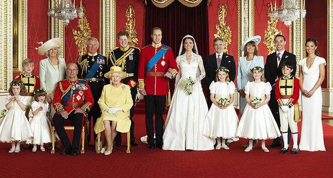 Công nương Kate đến Pháp dự hôn lễ em trai, cô dâu mới không hề tầm thường, cả gia đình hạnh phúc đáng ganh tỵ - Ảnh 4.