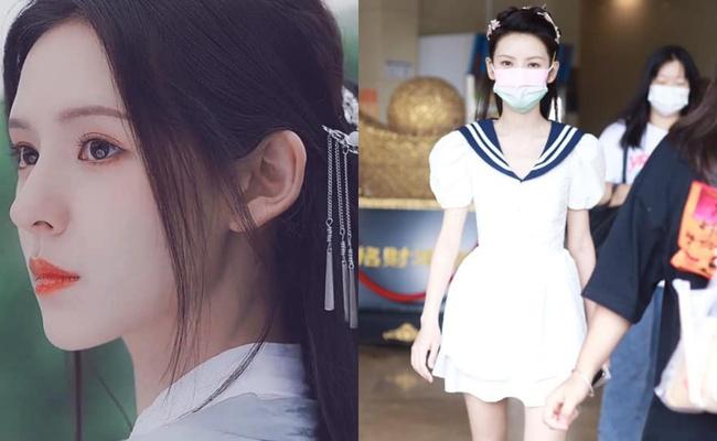 """""""Búp bê"""" Trương Dư Hi mặc váy thủy thủ, người thì gầy gò nhưng da mịn màng, trắng đến """"phát sáng"""" - Ảnh 1."""
