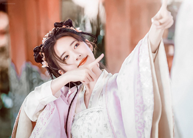 Triệu Lộ Tư cực xinh bên Từ Khai Sính, ngọt ngào chẳng kém thời đóng Trần Thiên Thiên trong lời đồn - Ảnh 2.
