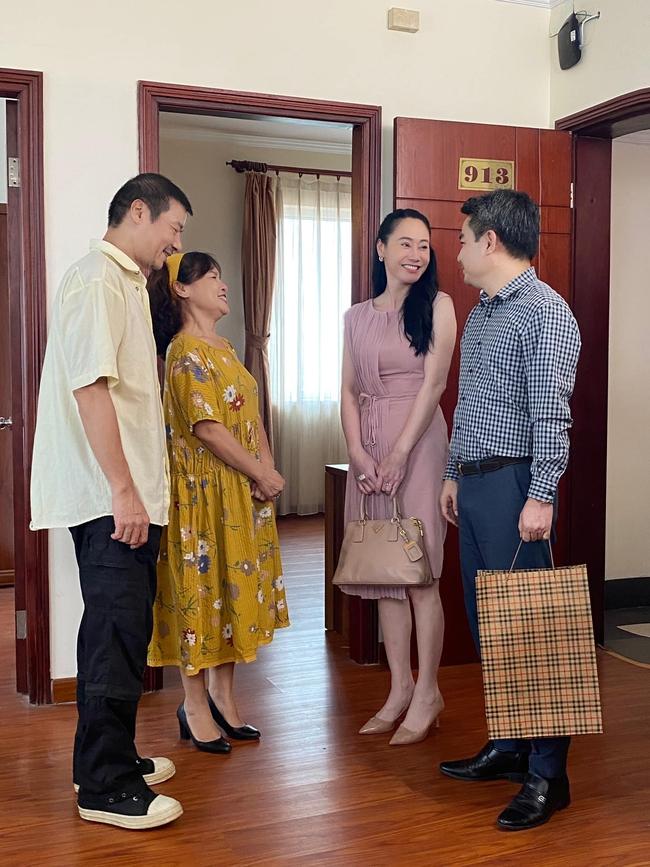 Hương vị tình thân: Lộ cảnh bà Xuân đến nhà cũ của Nam gặp ông Sinh - Ảnh 4.