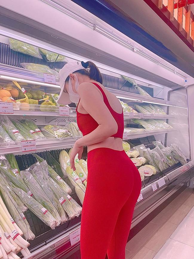Lệ Quyên mặc đồ tập khoe 3 vòng ở siêu thị liền bị mắng thậm tệ - Ảnh 3.