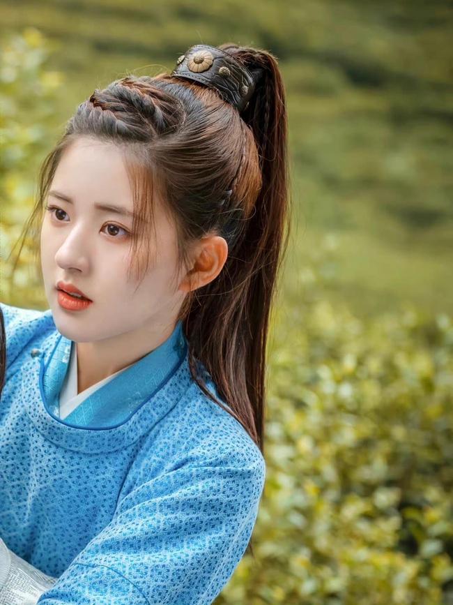 Triệu Lộ Tư cực xinh bên Từ Khai Sính, ngọt ngào chẳng kém thời đóng Trần Thiên Thiên trong lời đồn - Ảnh 3.