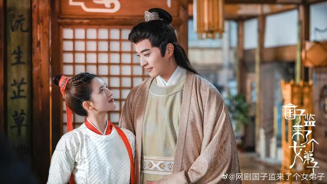 Triệu Lộ Tư cực xinh bên Từ Khai Sính, ngọt ngào chẳng kém thời đóng Trần Thiên Thiên trong lời đồn - Ảnh 9.