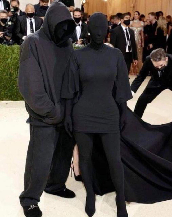 """Náo loạn hình ảnh """"Kim siêu vòng 3"""" tái hợp chồng cũ trên thảm đỏ Met Gala hậu ly hôn? - Ảnh 2."""