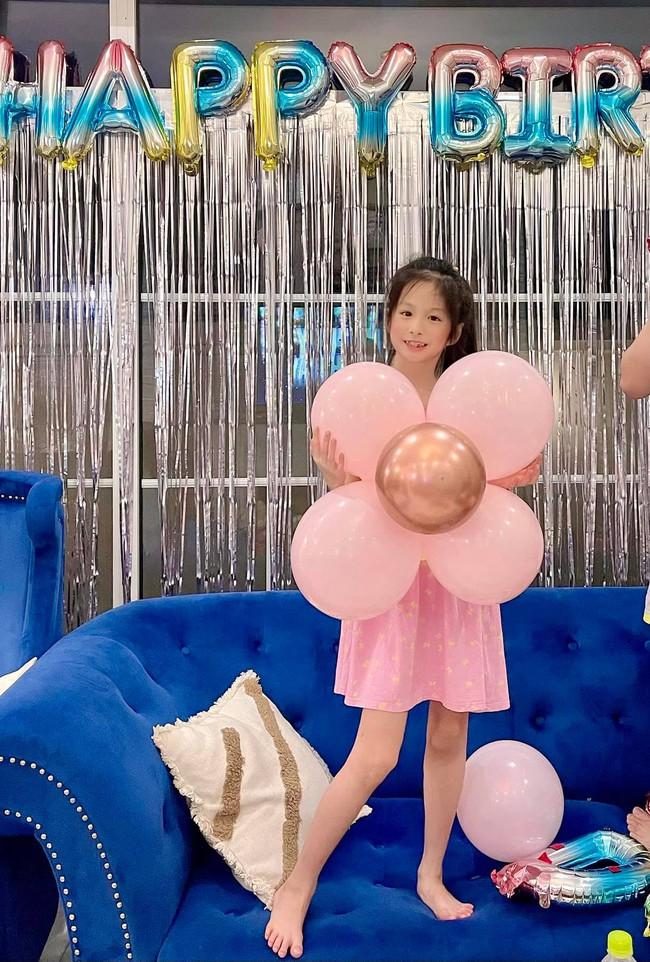 Vợ chồng Đoàn Di Băng tặng cô con gái lớn một căn ở Phú Mỹ Hưng nhân dịp sinh nhật 8 tuổi - Ảnh 2.
