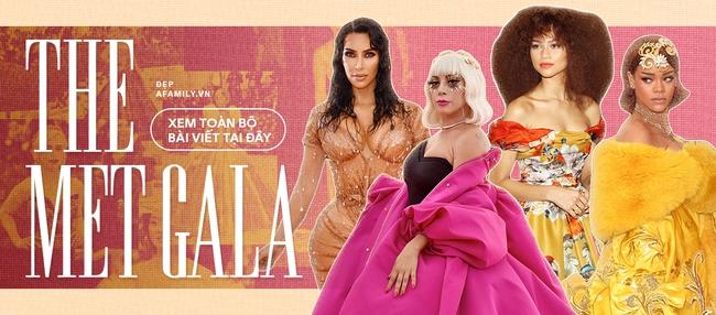 """Tiệc hậu Met Gala 2021: Rihanna vừa kín bưng đã vội """"lột đồ"""" khoe nguyên vòng 3, Rosé vẫn mờ nhạt không khá hơn là mấy - Ảnh 10."""