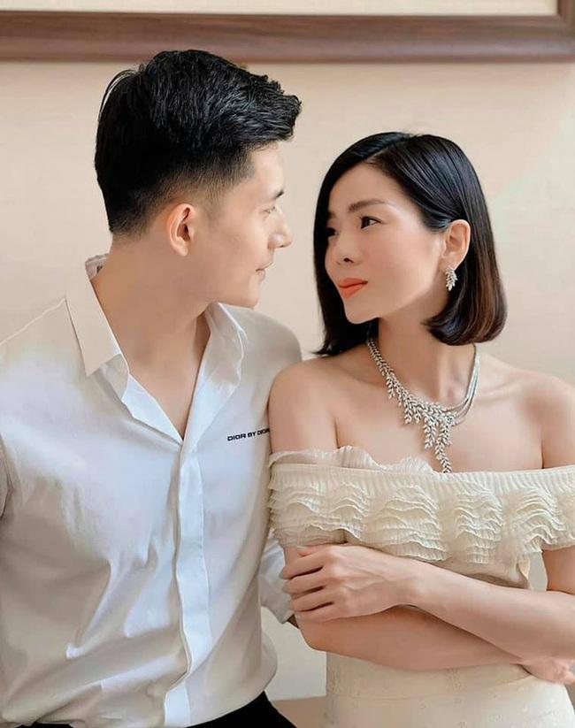 Lệ Quyên chia sẻ hình ảnh tình tứ bên Lâm Bảo Châu, dù liên tục bị chê già hơn tình trẻ - Ảnh 4.