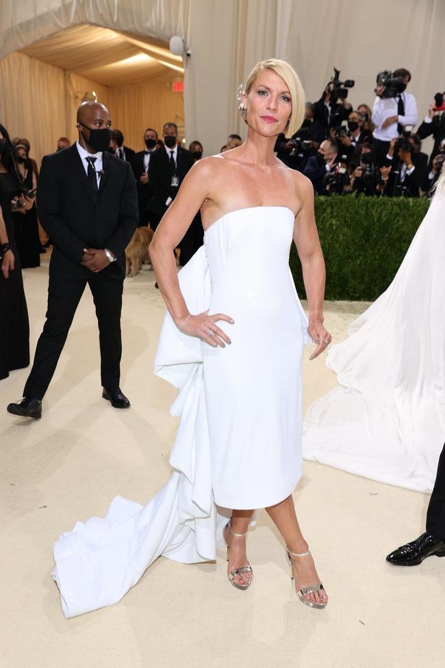 """9 mỹ nhân lên đồ chỉn chu và tinh tế tại Met Gala 2021 nhưng vẫn bị dân tình la ó vì """"nhạt quá"""", nhất là vợ Justin Bieber - Ảnh 10."""