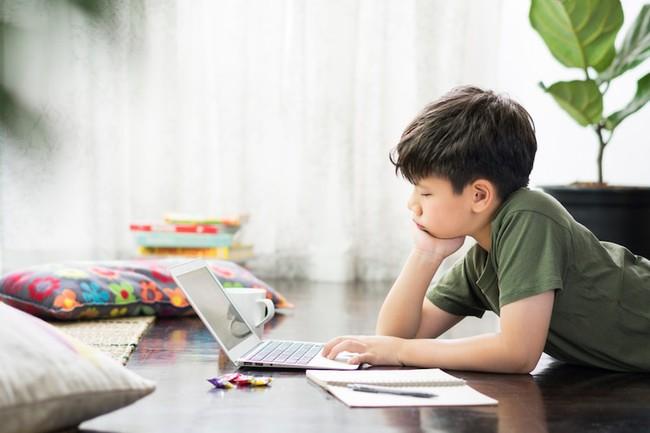 """Phía sau những """"ô đen"""" của màn hình học online và câu hỏi của một Tiến sĩ: Liệu có thể chấp nhận phá khung, hi sinh tiến độ chương trình, hi sinh điểm số? - Ảnh 5."""