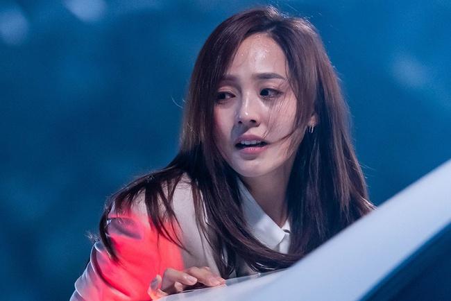 Cuộc chiến thượng lưu: Eugene (Oh Yoon Hee) khó chịu vì nhân vật của mình bị biên kịch cho chết, nhưng vẫn được an bởi lý do này - Ảnh 2.