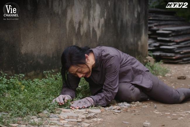 Cây táo nở hoa tập cuối: Ngọc cất giữ bí mật về Châu - Báu suốt đời, Dư - Trúc trở lại, ai cũng hạnh phúc trừ một người - Ảnh 5.